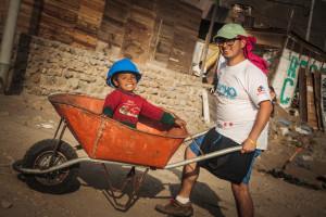 Empujando juntos nuestros sueños_ Israel es el Maestro - Ventanilla, Lima,Perú_Gabriela Huachaca Vargas (Co coordinadora del área de Fotografía  - Techo Perú)