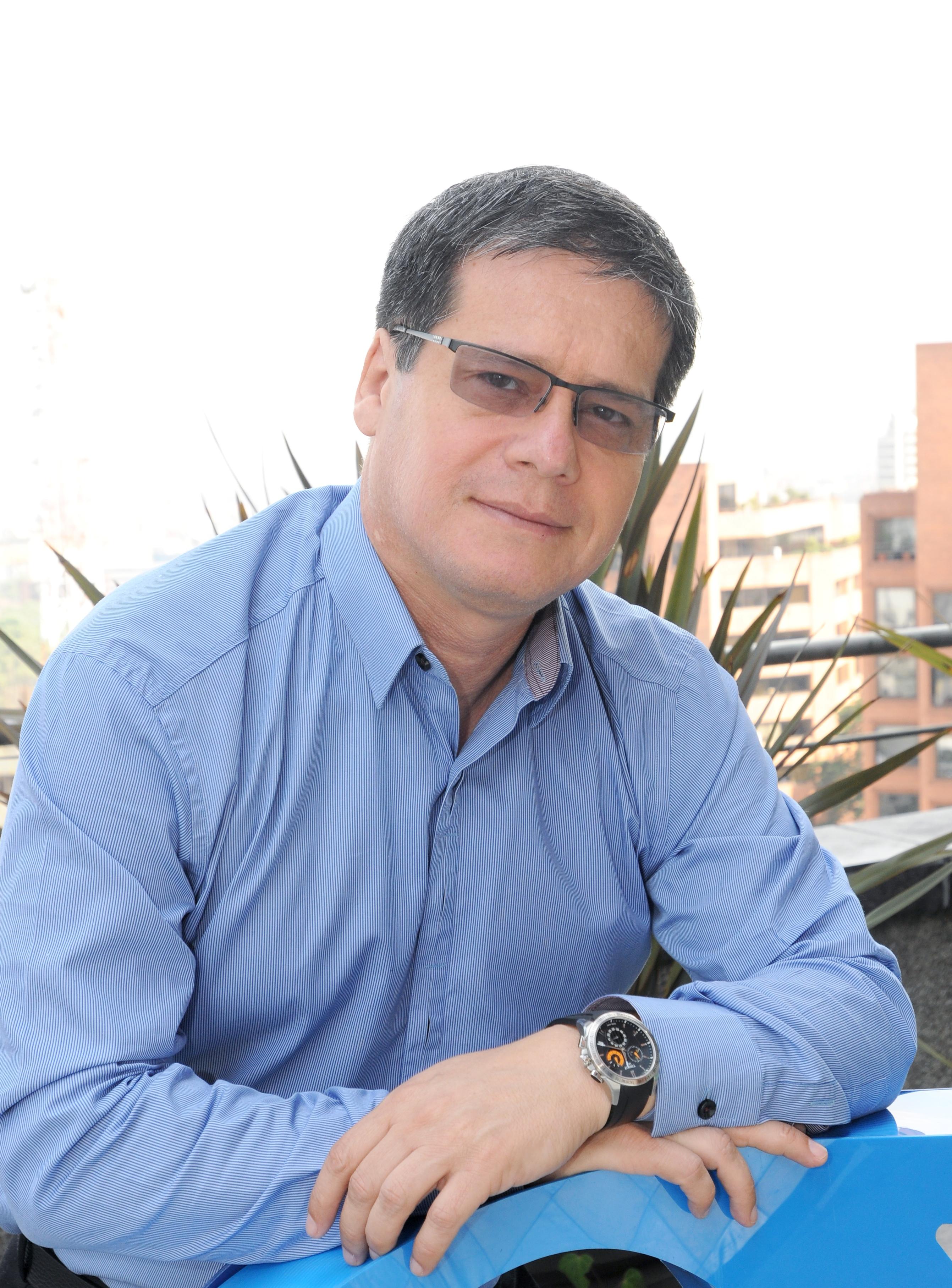 La Oficina de Cristal : en exclusiva un adelanto del nuevo libro de Alberto Arébalos