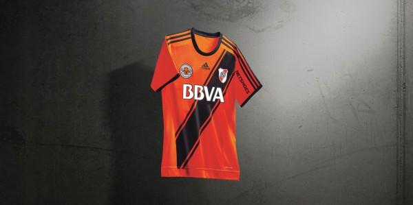 4c52935f4 Adidas presenta una edición especial de la camiseta de River Plate ...