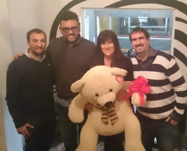 En la radio con el oso
